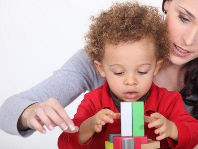 När man adopterar får man uppleva tillfredsställelsen av närhet och kärlek till ett barn.