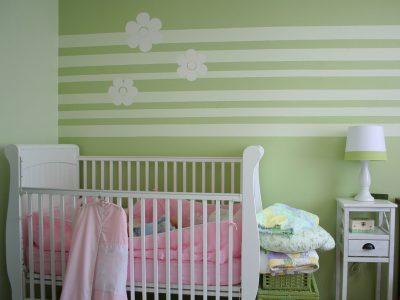 Vilke saker bör man köpa och ha hemma när bebis är fött